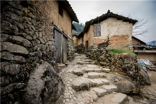 古老的山村土屋建筑