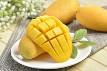 芒果有哪些作用和功效呢?吃芒果有什么禁忌吗?