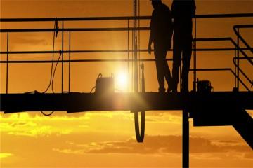 超龄职工维权问题:怎么做才能保障超龄职工劳动权益?